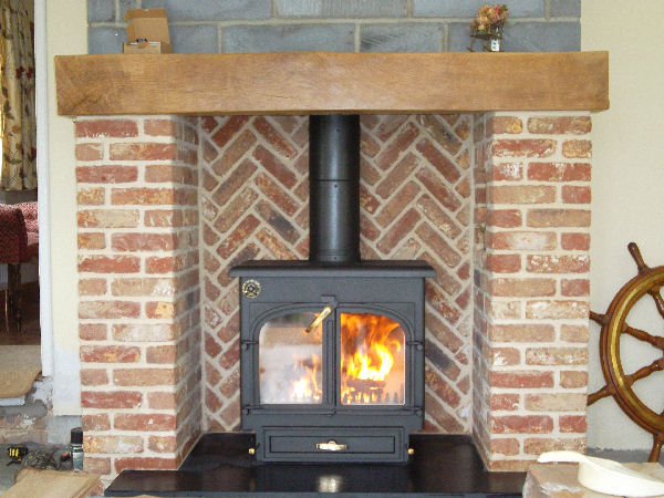 Technical Data For The Clearview 650 Multifuel Stove