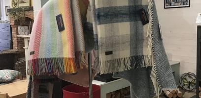 Cosy wool blankets for cold winter evenings